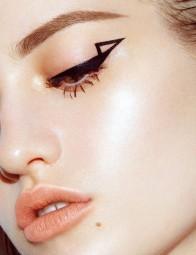 Eyeliner 14