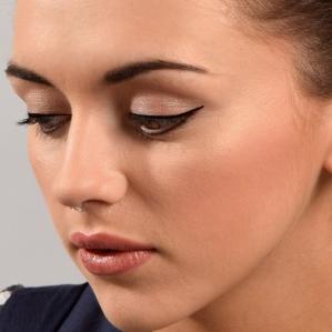 Eyeliner Wing