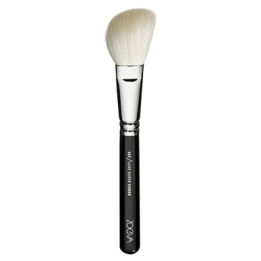 zoeva blush brush