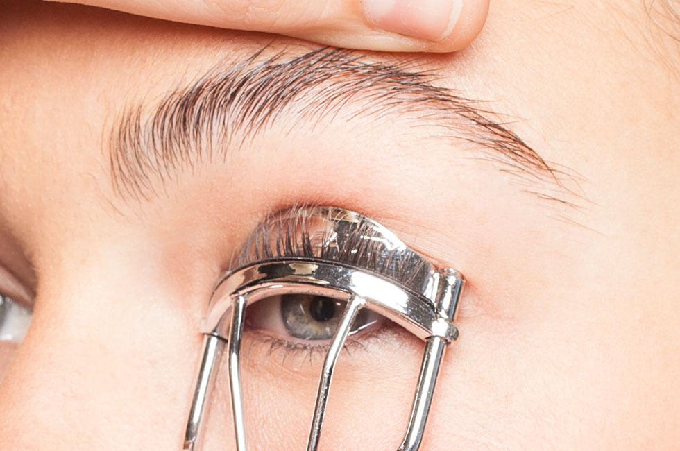 Eyelash Curler 1