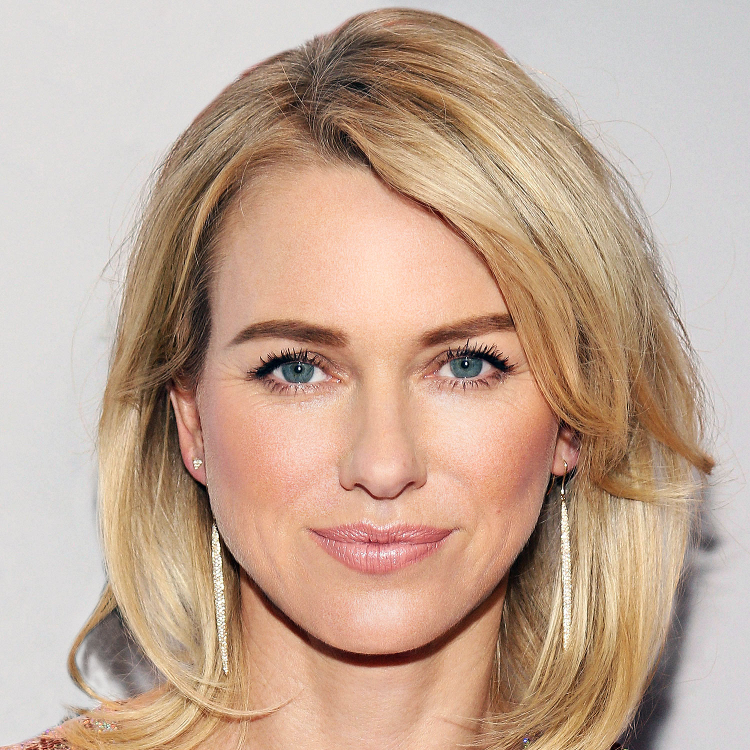 5498f2c13be60_-_l-2014-fab-at-every-age-beauty-naomi-watts-40s-qkwz5j-promo