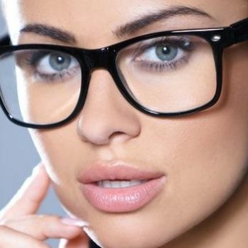 makeup for glasses 1