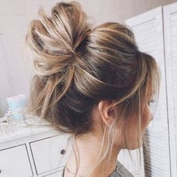 Top Knot Hair Style